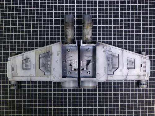 翼下面の裏.jpg